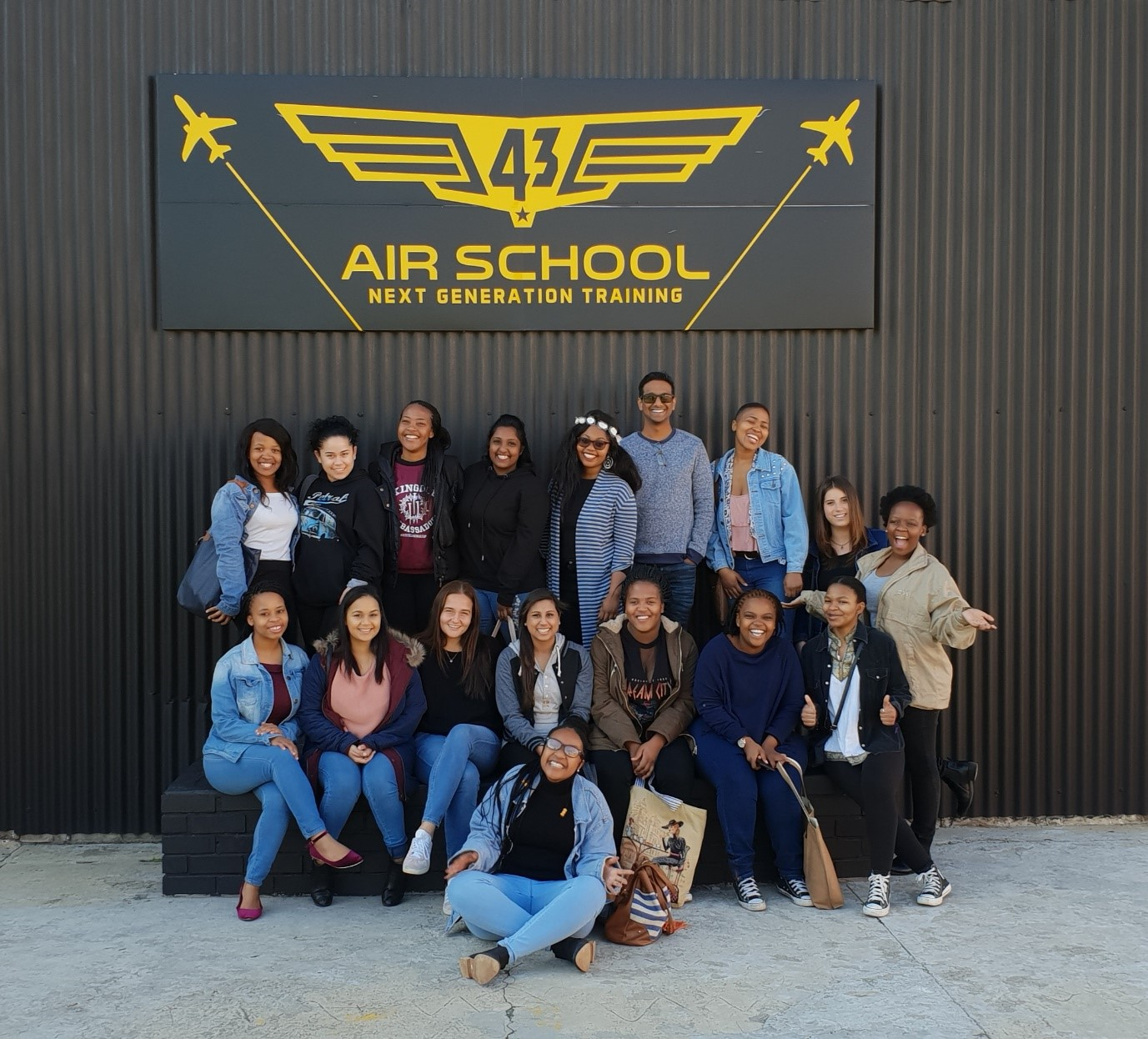 Org Psychology students visit 43 Air School