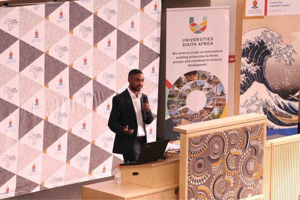 Kabelo Mashime presenting at the conference