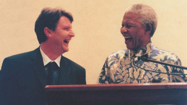 Shaun Johnson and Nelson Mandela [Source: mandelarhodes.org]
