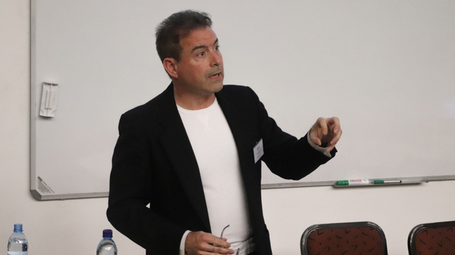 Entrepreneur, mentor, lecturer and author, Mr Ron Weissenberg